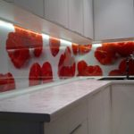 Mutfak-Tezgah-Arasi-Cam-Paneller-3d